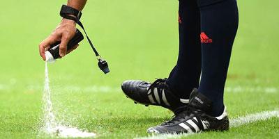 Arbitrage : L'usage du spray autorisé par l'UEFA