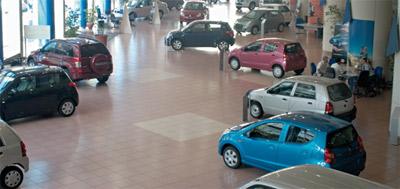 Un an pour avoir une Porsche Cayenne, 4 mois pour un Dacia Duster !