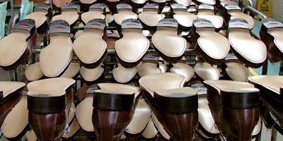 Avec la crise et la concurrence de l'Asie, les fabricants de chaussures voient leurs ventes à l'export baisser de 9%