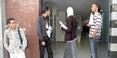 Financer ses études supérieures:  ce que proposent les banques marocaines