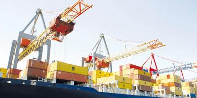Recul du déficit commercial en lien avec la baisse des importations
