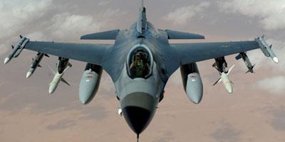 Les Etats-Unis envoient 18 avions F-16 en Pologne