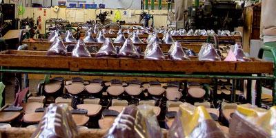 Le contrat programme de l'industrie du cuir suspendu