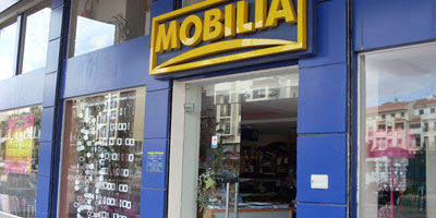 mobilia lance une op ration de r cup ration d anciens meubles lavieeco. Black Bedroom Furniture Sets. Home Design Ideas