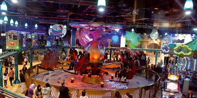 Le parc adventureland du morocco mall ouvre et propose 100 for Restaurant avec parc