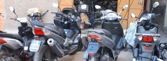 Les plaques minéralogiques imposées à toutes  les motos à partir de mars 2016