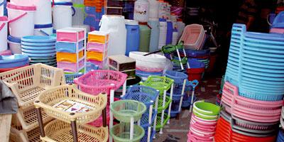 Articles ménagers en plastique : la concurrence asiatique menace un marché en plein boom