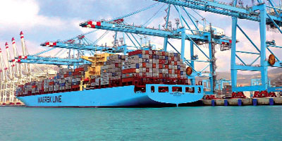 Le transbordement maintient le trafic portuaire en hausse
