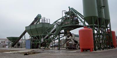 Les industriels du béton préfabriqué en guerre contre l'informel