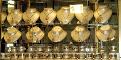 Bijoux en or  les prix ont chuté de 40% en six mois !