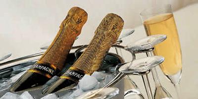 Champagne : 351 000 bouteilles vendues au Maroc en 2011