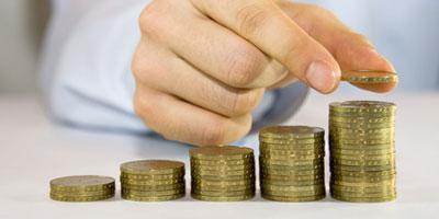 Les ménages épargnent de moins en moins