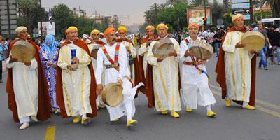 Une parade folklorique inédite ouvre le 5ème Festival international Jawhara à El Jadida