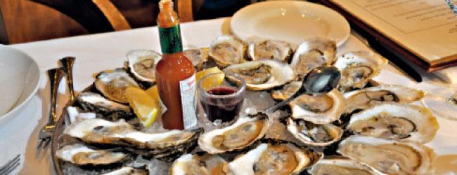 La fin de l'année dope les ventes de saumon, des huîtres et du champagne