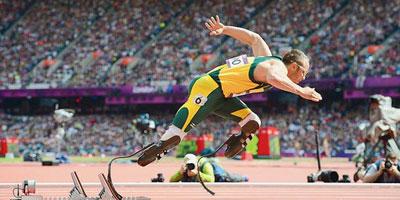 Jeux paralympiques : arrivée de la flamme à Londres