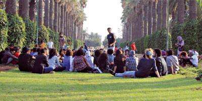 Clubs de lecture, de débat : la rue nous appartient