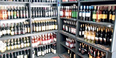 Les ventes légales d'alcool encore en chute libre