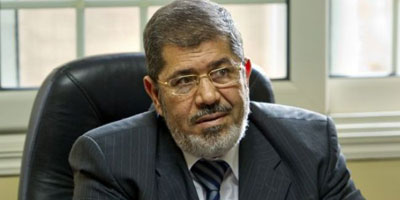 Morsi force les militaires à quitter le pouvoir