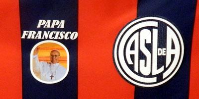 Argentine : le nom du «pape François» sur le maillot du club de San Lorenzo