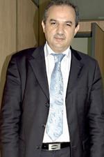 Parlementaire, homme d'affaires,  il devient patron des voyagistes