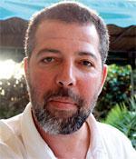 Travailler dans l'associatif : témoignage de Adel ESSAADANI