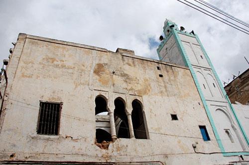 Mosquées : le minaret est tombé, qui faut-il pendre ?