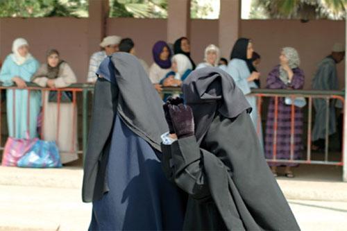 Cette burqa qui existe aussi chez nous au Maroc mais que l'on tolère