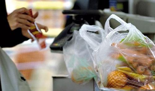 Après le sac noir, une interdiction totale du sachet en plastique se prépare