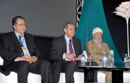 Mohand Laenser, seul maître à bord du Mouvement populaire