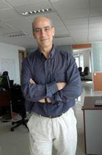 Passionné du microcrédit et fondateur de la plus grande association, Al Amana