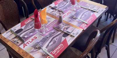 TablaCom transforme les tables des cafés  en support publicitaire