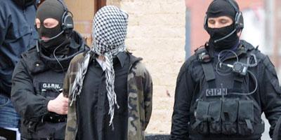 Terrorisme : près de 3 000 personnes à surveiller en France (Manuel Valls)