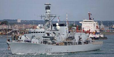 Un navire de guerre britannique arrive à Gibraltar sur fond de tensions