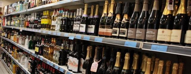 Les ventes légales d'alcool encore en baisse au premier semestre