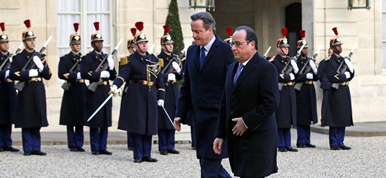 Hollande évoque avec Cameron le renforcement du système d'informations pour lutter efficacement contre le terrorisme