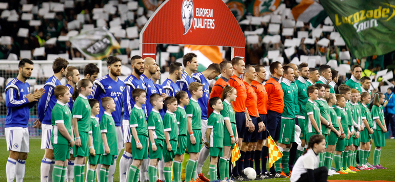 Football : Des bosniens scandent «Palestine» pendant la minute de silence