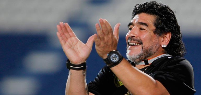 Vidéo : Un accueil chaleureux pour Maradona à laâyoune
