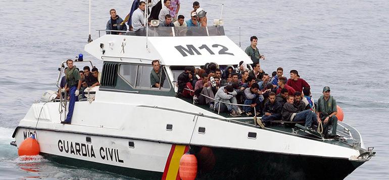 Espagne : 18 clandestins secourus au large des Canaries
