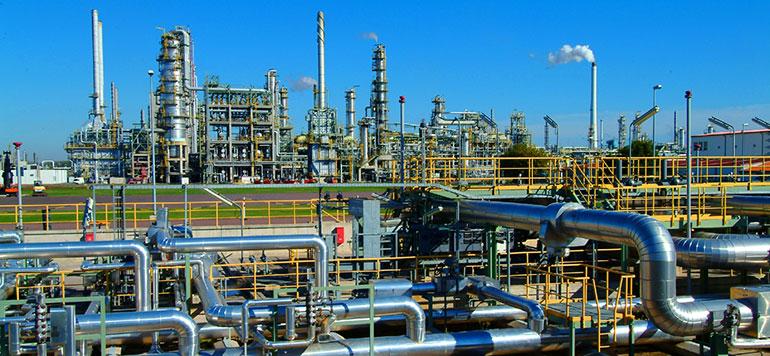La baisse continue des prix du pétrole hante les économies