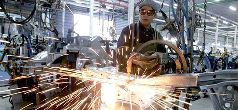 Industrie manufacturière: 41 pc des patrons anticipent une hausse de la production au 4ème trimestre 2015
