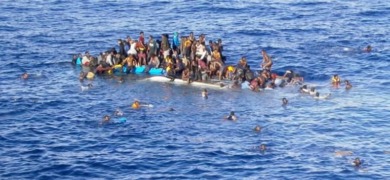 Plus de 700 enfants morts noyés en Méditerranée en 2015
