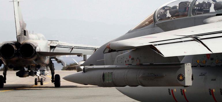 Premiers raids aériens britanniques contre des cibles de l'Etat islamique en Syrie