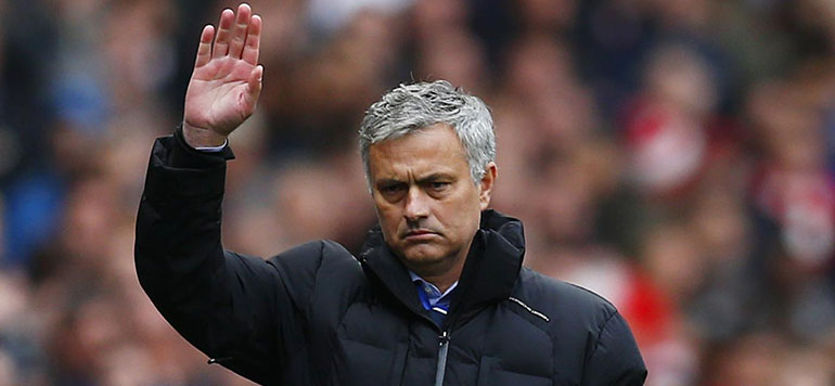 Football : L'entraîneur de Chelsea José Mourinho limogé