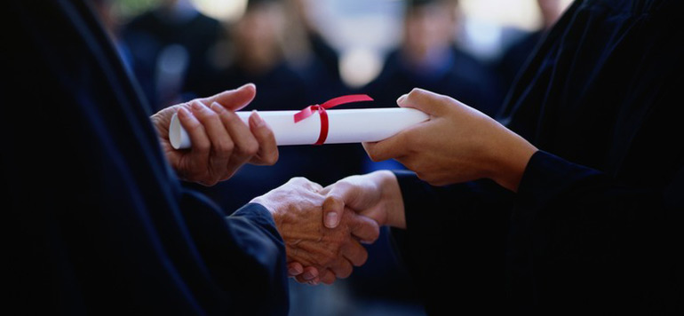 HCP : Environ 41,4% des actifs détenaient un diplôme en 2014