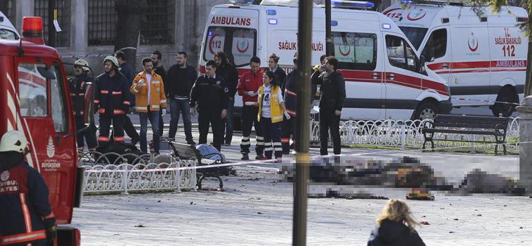 Explosion à Istanbul: les autorités turques soupçonnent un acte «terroriste»