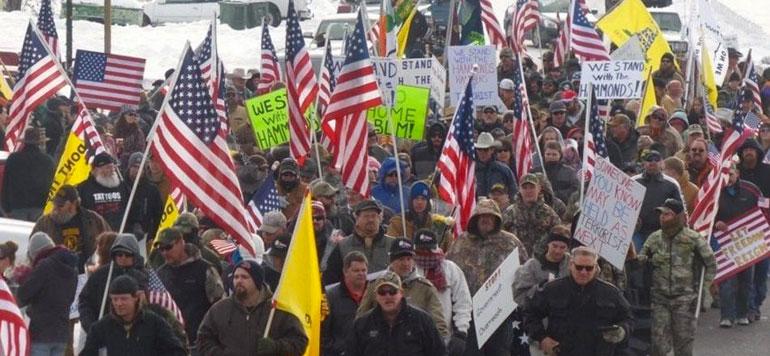 USA: des milices occupent un parc, « terroristes » ou « manifestants » ?