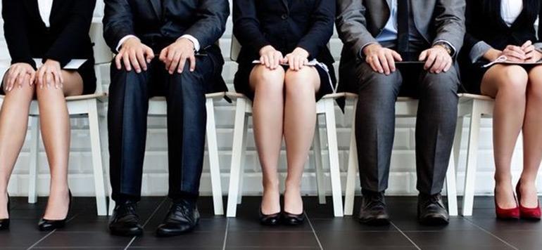 Le taux d'emploi en baisse continue
