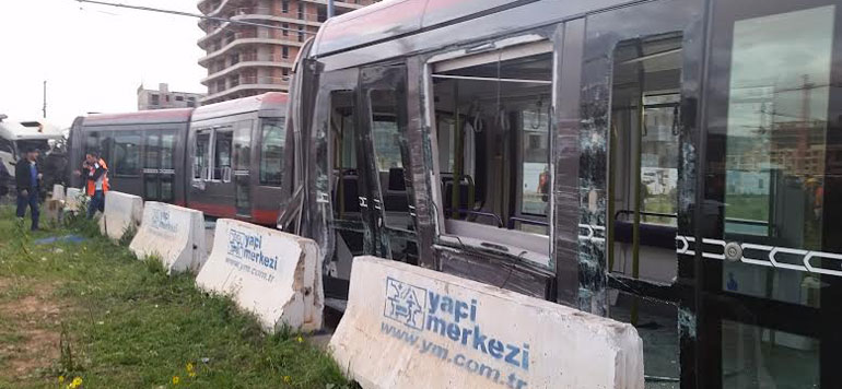 Vidéo : l'accident du tram de Casablanca