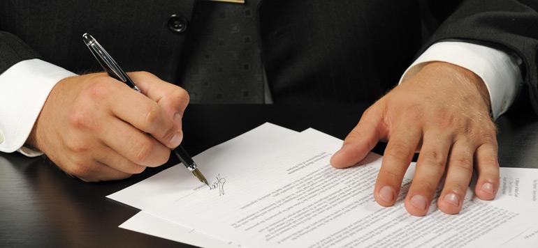Contrat de travail : les clauses auxquelles il faut faire attention