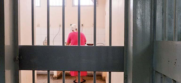 1961 femmes dans les prisons